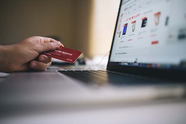 Is Your E-Commerce Business Using the Right Technology?